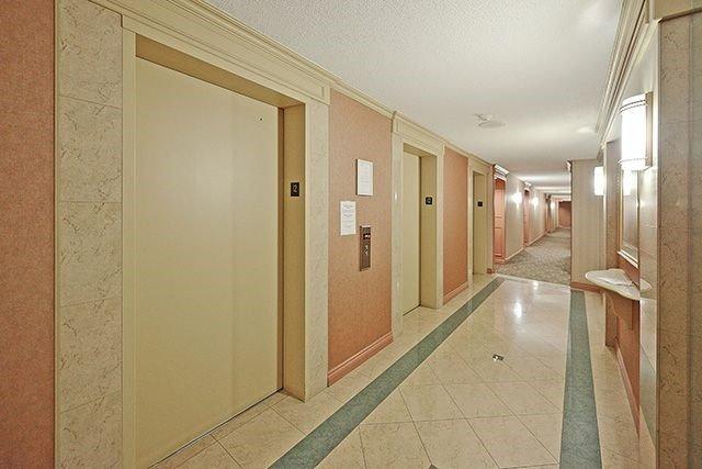 Condo Apartment at 115 Hillcrest Ave, Unit 1413, Mississauga, Ontario. Image 16