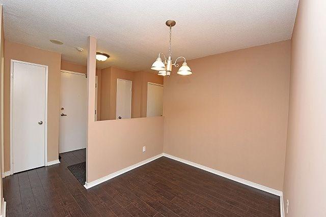 Condo Apartment at 115 Hillcrest Ave, Unit 1413, Mississauga, Ontario. Image 17
