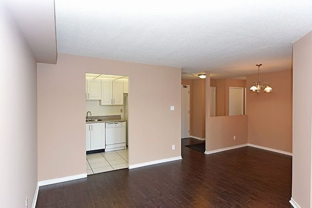 Condo Apartment at 115 Hillcrest Ave, Unit 1413, Mississauga, Ontario. Image 2