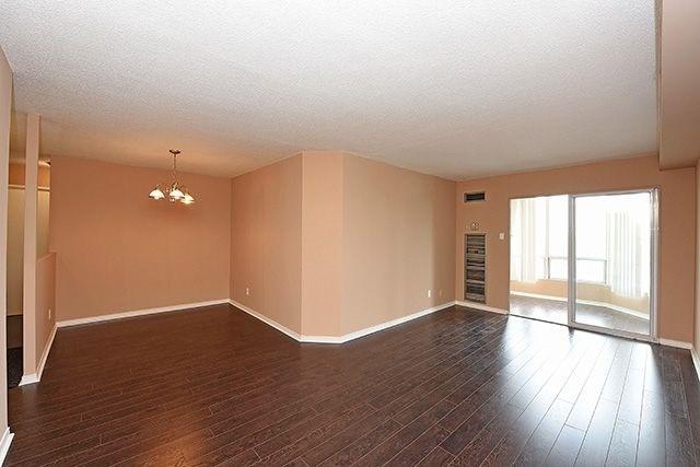 Condo Apartment at 115 Hillcrest Ave, Unit 1413, Mississauga, Ontario. Image 3