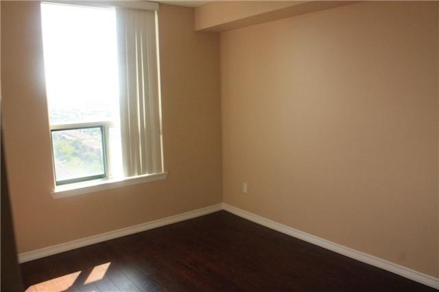 Condo Apartment at 135 Hillcrest Ave, Unit 2209, Mississauga, Ontario. Image 10