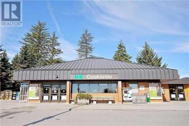 Condo Apartment at 135 Hillcrest Ave, Unit 2209, Mississauga, Ontario. Image 3
