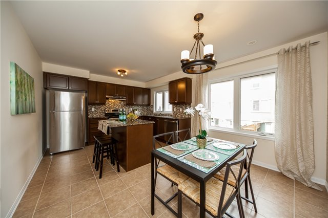 Townhouse at 21 Colonel Frank Ching Cres, Brampton, Ontario. Image 4