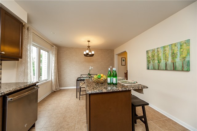 Townhouse at 21 Colonel Frank Ching Cres, Brampton, Ontario. Image 7