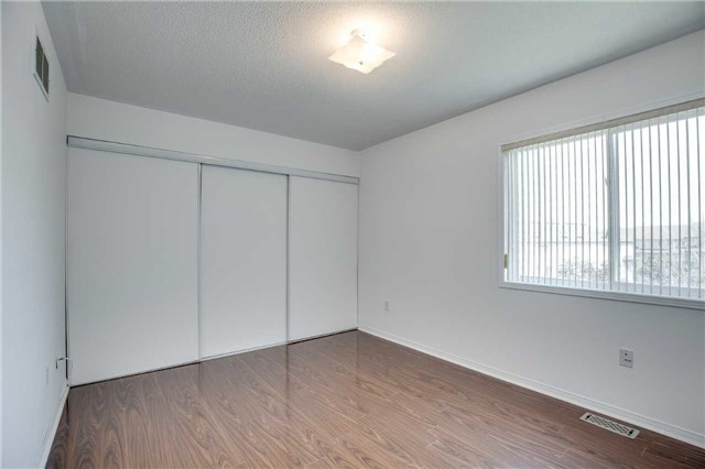 Condo Townhouse at 4950 Albina Way, Unit 38, Mississauga, Ontario. Image 3