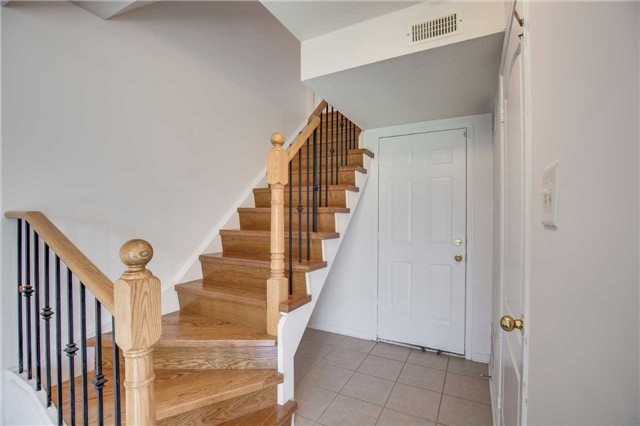 Condo Townhouse at 4950 Albina Way, Unit 38, Mississauga, Ontario. Image 6