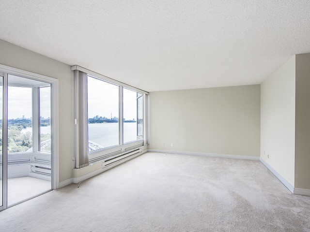 Condo Apartment at 1 Palace Pier Crt, Unit 1102, Toronto, Ontario. Image 9
