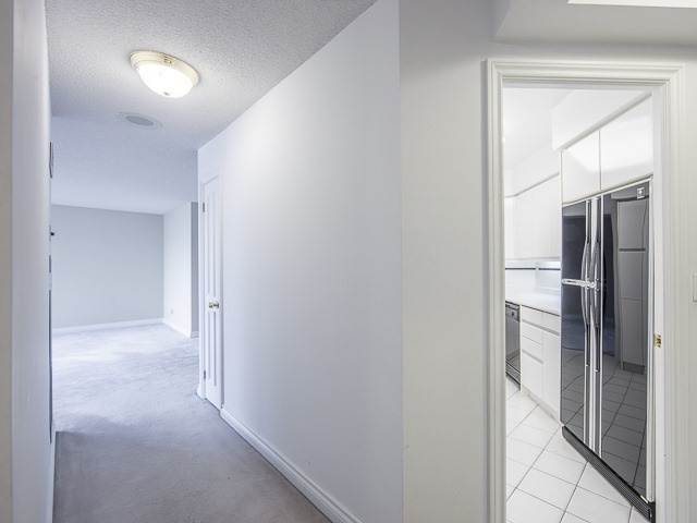 Condo Apartment at 1 Palace Pier Crt, Unit 1102, Toronto, Ontario. Image 14