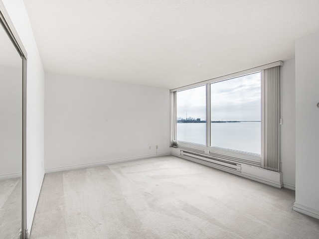 Condo Apartment at 1 Palace Pier Crt, Unit 1102, Toronto, Ontario. Image 4