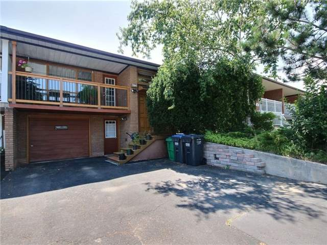 Semi-detached at 3594 Broomhill Cres, Mississauga, Ontario. Image 1