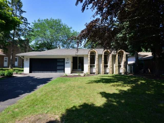 Detached at 2211 Stillmeadow Rd, Mississauga, Ontario. Image 1