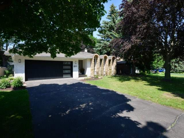 Detached at 2211 Stillmeadow Rd, Mississauga, Ontario. Image 11