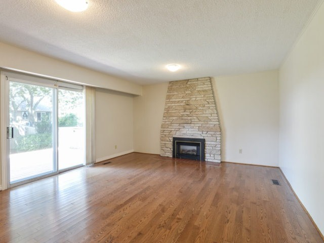 Detached at 2211 Stillmeadow Rd, Mississauga, Ontario. Image 4