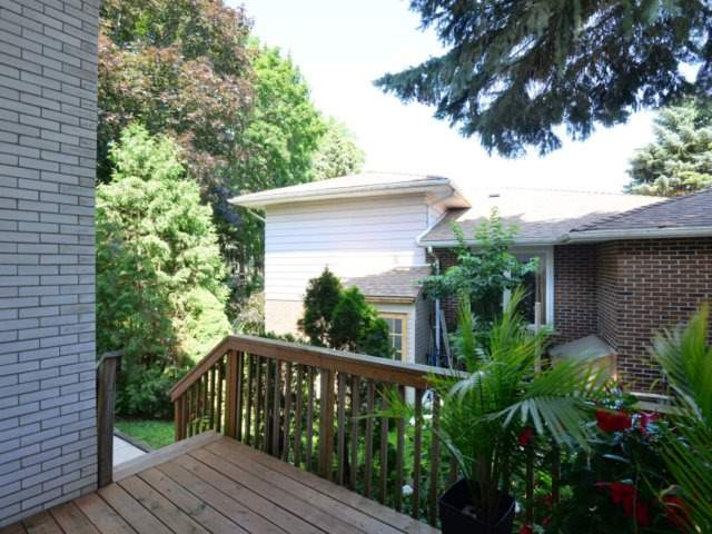 Detached at 2211 Stillmeadow Rd, Mississauga, Ontario. Image 8