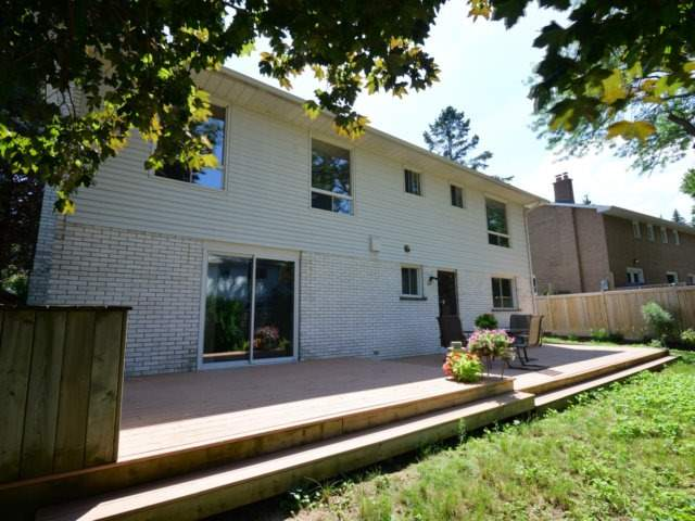 Detached at 2211 Stillmeadow Rd, Mississauga, Ontario. Image 10