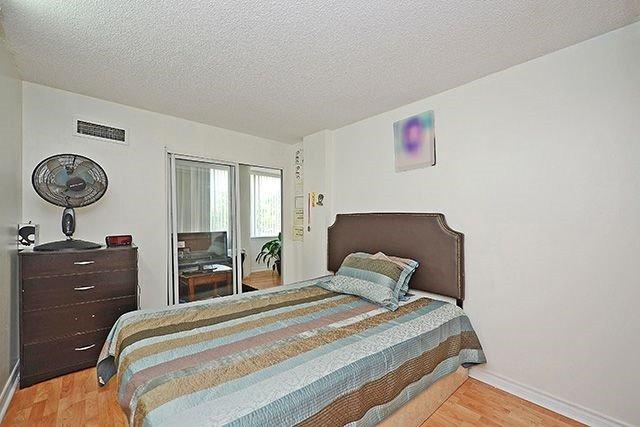 Condo Apartment at 10 Markbrook Lane, Unit 212, Toronto, Ontario. Image 4