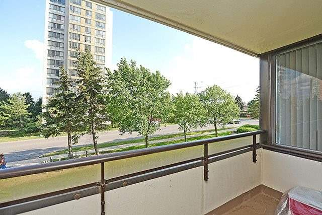 Condo Apartment at 10 Markbrook Lane, Unit 212, Toronto, Ontario. Image 8
