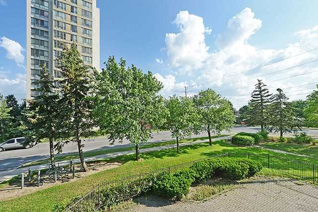 Condo Apartment at 10 Markbrook Lane, Unit 212, Toronto, Ontario. Image 9