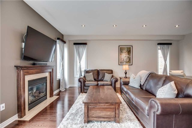 Detached at 4638 Simmons Rd, Burlington, Ontario. Image 12
