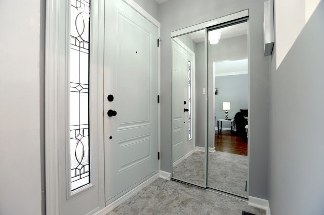 Semi-detached at 2366 Padstow Cres, Mississauga, Ontario. Image 14