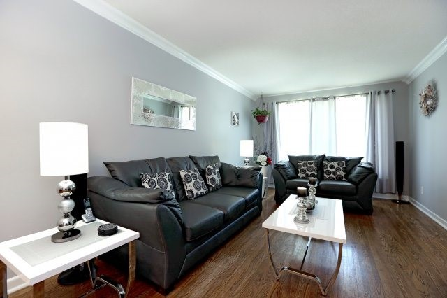Semi-detached at 2366 Padstow Cres, Mississauga, Ontario. Image 15