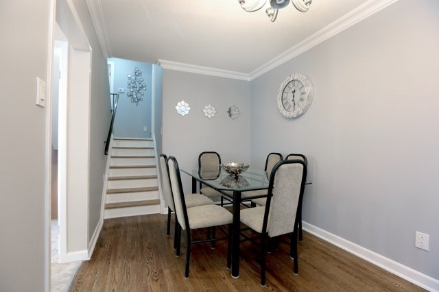 Semi-detached at 2366 Padstow Cres, Mississauga, Ontario. Image 16