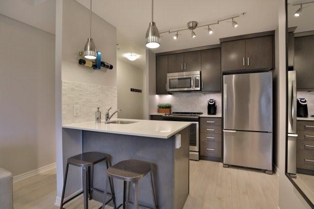 Condo Apartment at 73 Washington Ave, Unit 204, Oakville, Ontario. Image 12