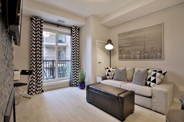 Condo Apartment at 73 Washington Ave, Unit 204, Oakville, Ontario. Image 15