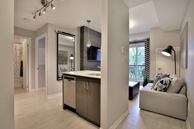 Condo Apartment at 73 Washington Ave, Unit 204, Oakville, Ontario. Image 16