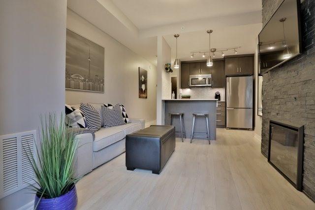 Condo Apartment at 73 Washington Ave, Unit 204, Oakville, Ontario. Image 17