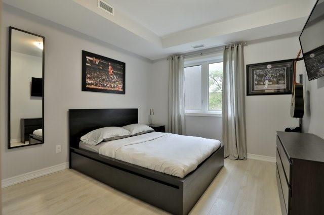 Condo Apartment at 73 Washington Ave, Unit 204, Oakville, Ontario. Image 18