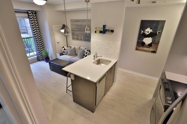 Condo Apartment at 73 Washington Ave, Unit 204, Oakville, Ontario. Image 2