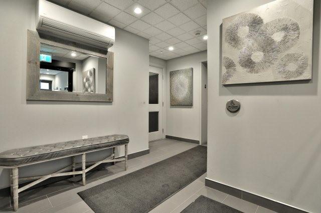 Condo Apartment at 73 Washington Ave, Unit 204, Oakville, Ontario. Image 11