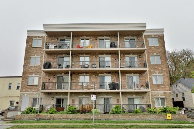 Condo Apartment at 73 Washington Ave, Unit 204, Oakville, Ontario. Image 13