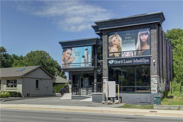 Detached at 701 Brant St, Burlington, Ontario. Image 12