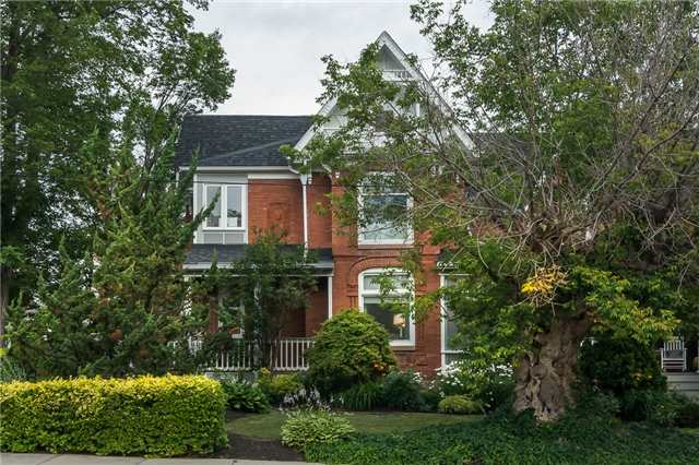 Detached at 60 Mill St, Milton, Ontario. Image 1
