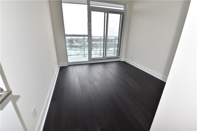 Condo Apartment at 2175 Lake Shore W Blvd, Unit 710, Toronto, Ontario. Image 6