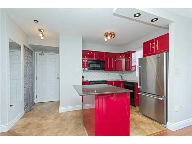Condo Apartment at 1270 Maple Crossing Blvd, Unit 1509, Burlington, Ontario. Image 14
