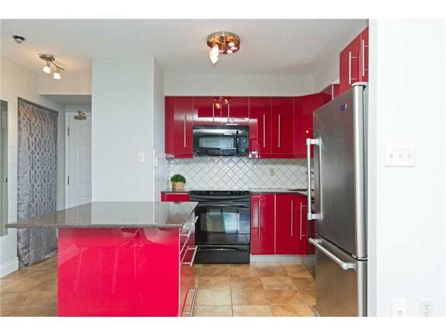 Condo Apartment at 1270 Maple Crossing Blvd, Unit 1509, Burlington, Ontario. Image 15