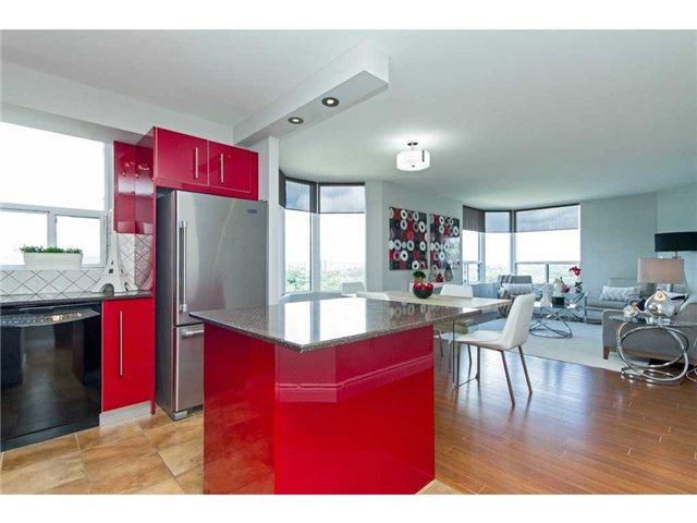 Condo Apartment at 1270 Maple Crossing Blvd, Unit 1509, Burlington, Ontario. Image 16