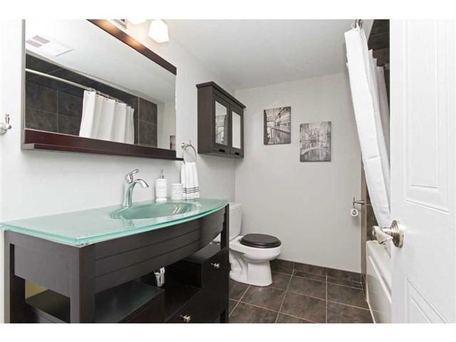 Condo Apartment at 1270 Maple Crossing Blvd, Unit 1509, Burlington, Ontario. Image 4