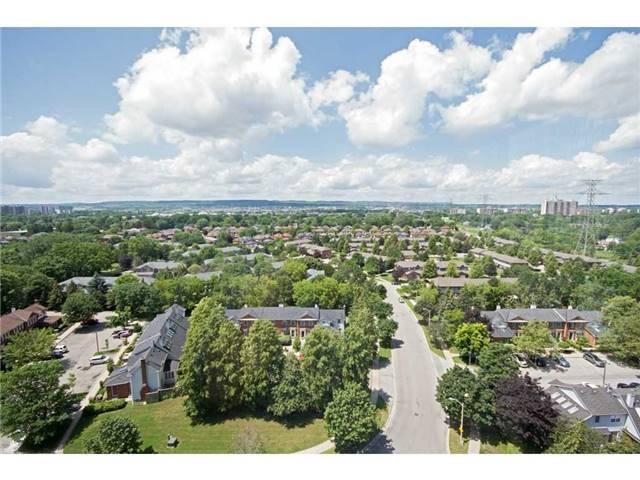 Condo Apartment at 1270 Maple Crossing Blvd, Unit 1509, Burlington, Ontario. Image 8
