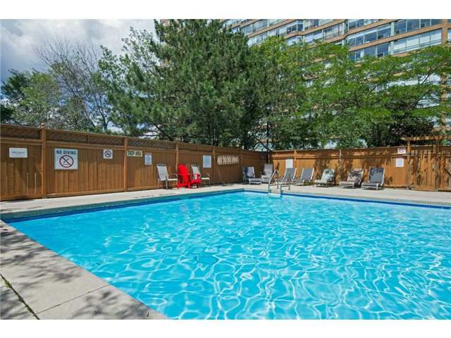 Condo Apartment at 1270 Maple Crossing Blvd, Unit 1509, Burlington, Ontario. Image 13