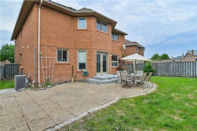 Detached at 350 Wendron Cres, Mississauga, Ontario. Image 13