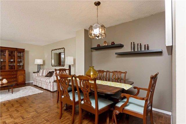 Condo Apartment at 3700 Kaneff Cres, Unit 1806, Mississauga, Ontario. Image 13