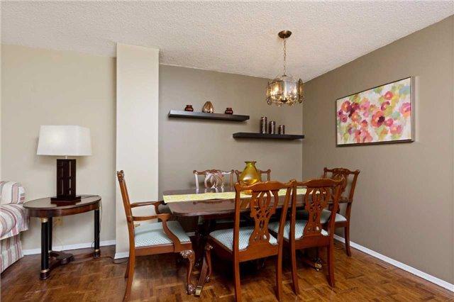 Condo Apartment at 3700 Kaneff Cres, Unit 1806, Mississauga, Ontario. Image 14