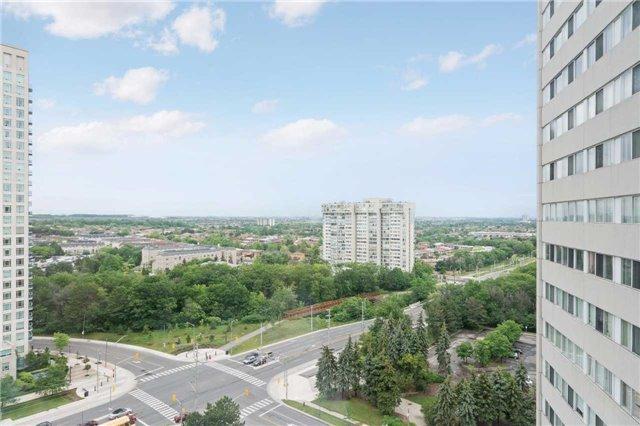 Condo Apartment at 3700 Kaneff Cres, Unit 1806, Mississauga, Ontario. Image 9