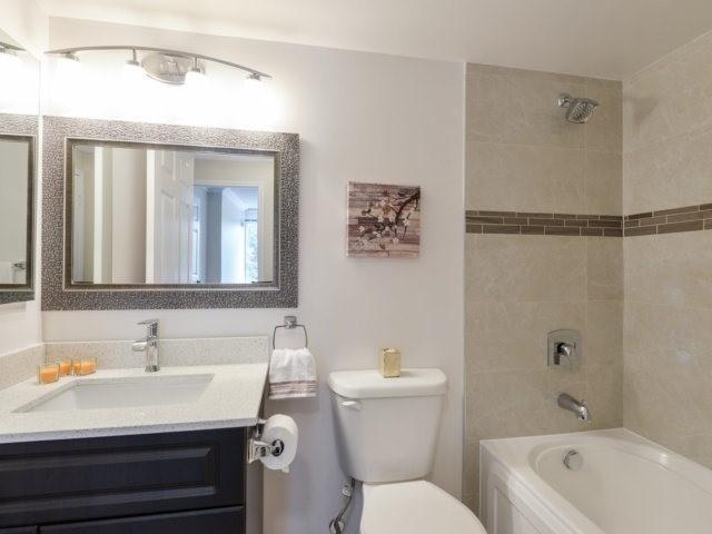 Condo Apartment at 35 Kingsbridge Garden Circ, Unit 212, Mississauga, Ontario. Image 5