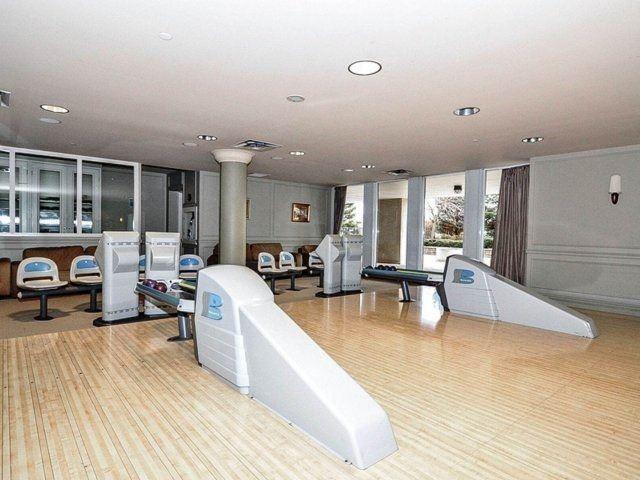 Condo Apartment at 35 Kingsbridge Garden Circ, Unit 212, Mississauga, Ontario. Image 9