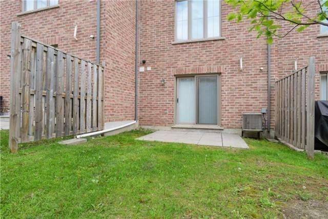 Condo Townhouse at 8 Bergamont Rd, Brampton, Ontario. Image 13